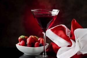 como-hacer-vino-de-fresa-2